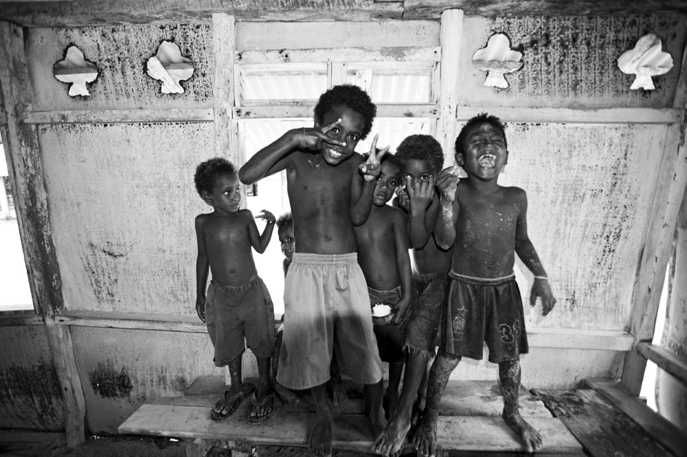 IMG-449.Kavieng.New Ireland.PNG.Nusa Island.kids